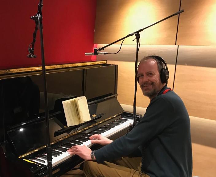 Peter Farrie playing piano